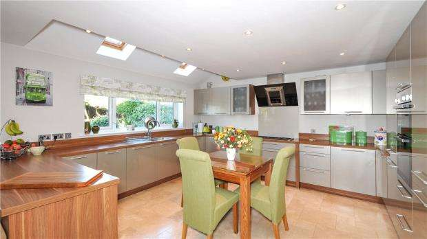 4 Bedrooms House for sale in Northfield Road, Sherfield-on-Loddon, Hook