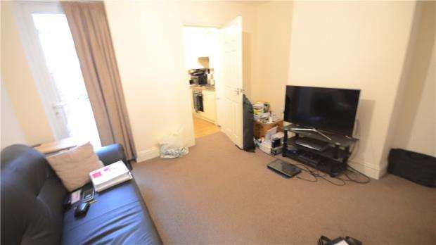 3 Bedrooms Terraced House for sale in Belmont Road, Reading, Berkshire