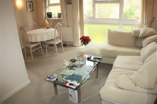 1 Bedroom Flat for sale in Stanmore Hill, STANMORE, Middlesex, Uk