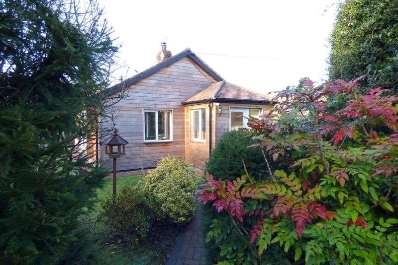 2 Bedrooms Detached Bungalow for sale in School Lane, Stedham, Midhurst, GU29
