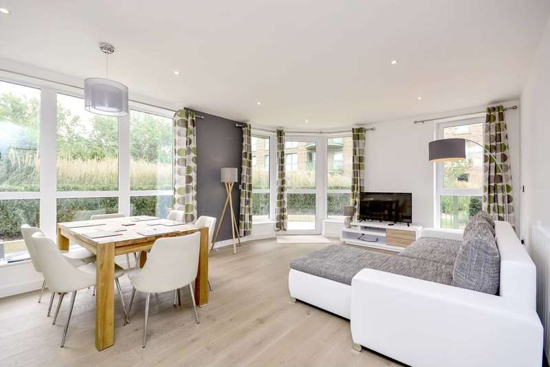 3 Bedrooms Flat for sale in Maltby House, Kidbrooke, SE3