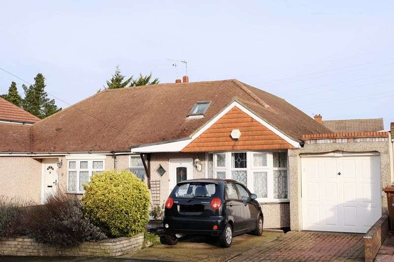 4 Bedrooms Semi Detached Bungalow for sale in Deniston Avenue, Bexley