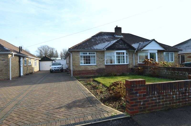 2 Bedrooms Semi Detached Bungalow for sale in Cuckoo Lane, Stubbington, Fareham