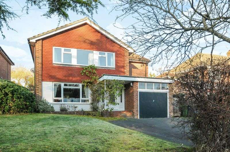 4 Bedrooms Detached House for sale in Teg Down Meads, Winchester