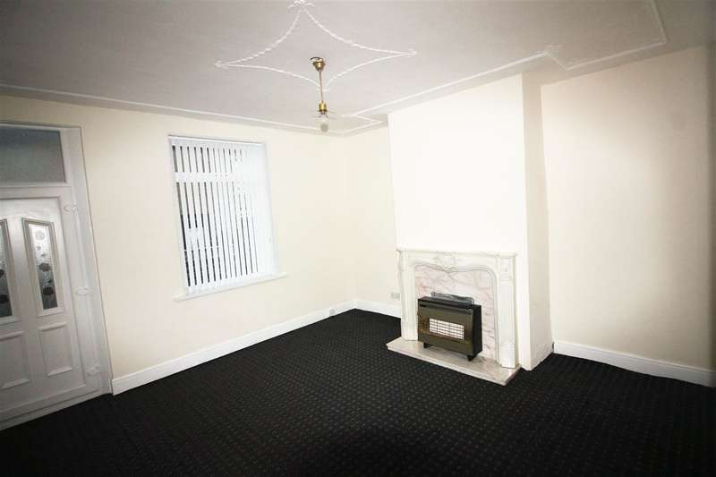 3 Bedrooms Terraced House for sale in Oak Terrace, Off Hanson Lane, Halifax