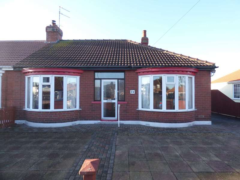 3 Bedrooms Semi Detached Bungalow for sale in Gordon Road, Redcar