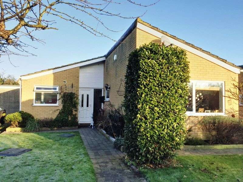 3 Bedrooms Detached Bungalow for sale in Brundall, NR13