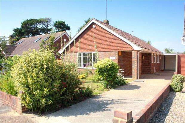 3 Bedrooms Detached Bungalow for sale in Mill Road Avenue, Angmering, West Sussex, BN16