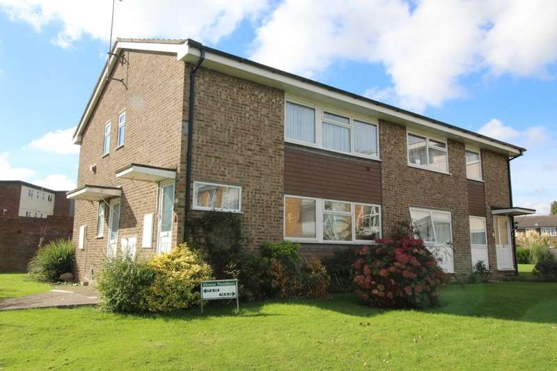 2 Bedrooms Flat for sale in Lord Warden Avenue, Walmer, Deal, CT14