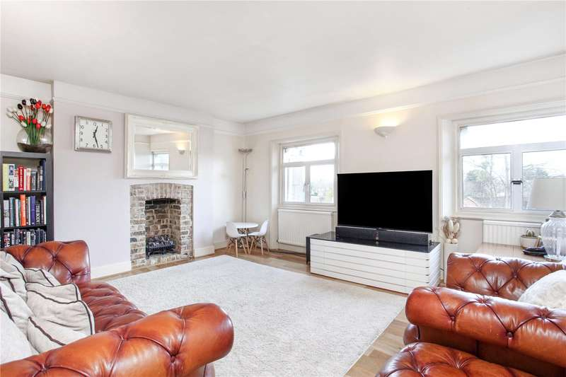 3 Bedrooms Flat for sale in Priory Way, Datchet, Berkshire, SL3
