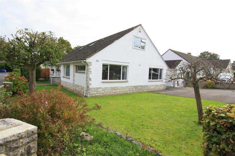 6 Bedrooms Detached Bungalow for sale in Longacre Drive, Ferndown