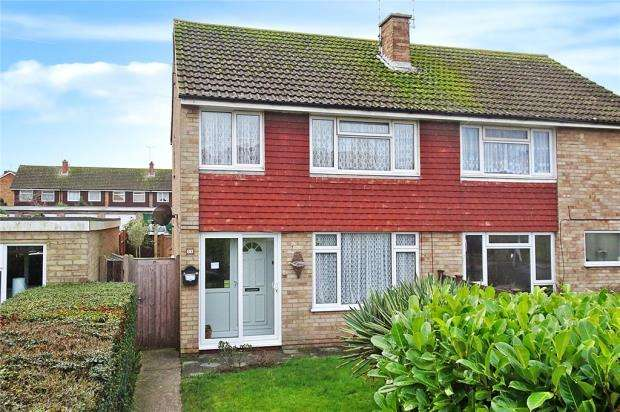 3 Bedrooms Semi Detached House for sale in Holmes Lane, Rustington, West Sussex, BN16
