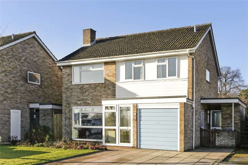 4 Bedrooms Detached House for sale in Little Hivings, Chesham, Buckinghamshire, HP5