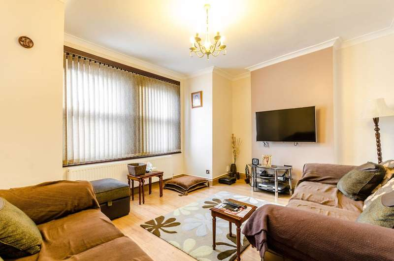 5 Bedrooms House for sale in Kitchener Road, Thornton Heath, CR7