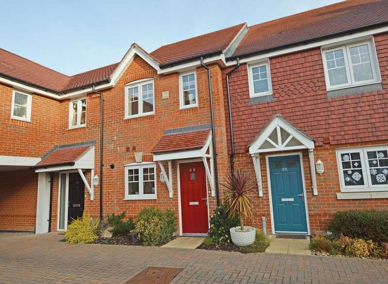 2 Bedrooms Terraced House for sale in Garstons Way, Holybourne, Alton, Hampshire