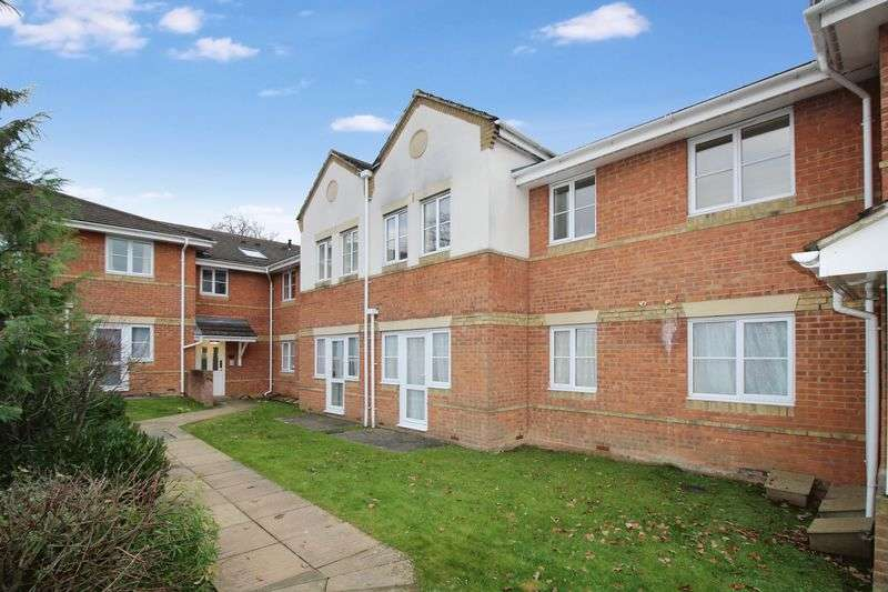 2 Bedrooms Flat for sale in Tinsley Lane, Crawley