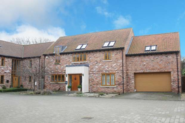 5 Bedrooms Detached House for sale in Northend Close, Foston, Lincolnshire, NG32 2HW