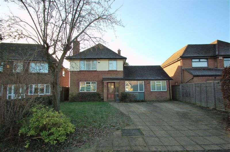 4 Bedrooms Detached House for sale in Penn