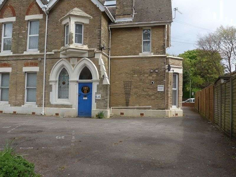 Flat for rent in 6 Boscombe Spa Road, Boscombe, Bournemouth