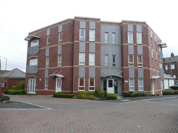 2 Bedrooms Apartment Flat for sale in Ben Brierley Wharf, Failsworth, Manchester