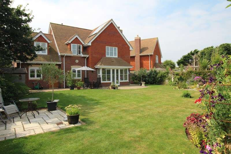 4 Bedrooms Detached House for sale in Pless Road, Milford On Sea, Lymington