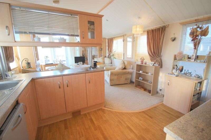 2 Bedrooms Detached Bungalow for sale in Binton Road, Stratford-Upon-Avon