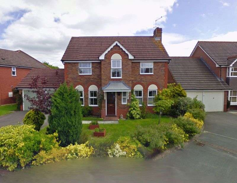 4 Bedrooms Detached House for sale in Wolverton Close, Chippenham
