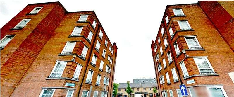 4 Bedrooms Flat for sale in Homerton High Street, London, E9
