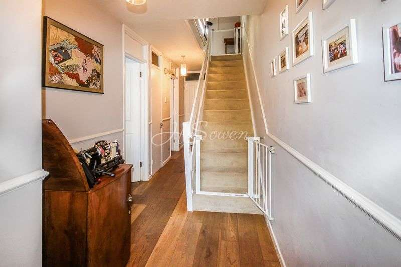 3 Bedrooms Terraced House for sale in Arabella Drive, Putney, SW15