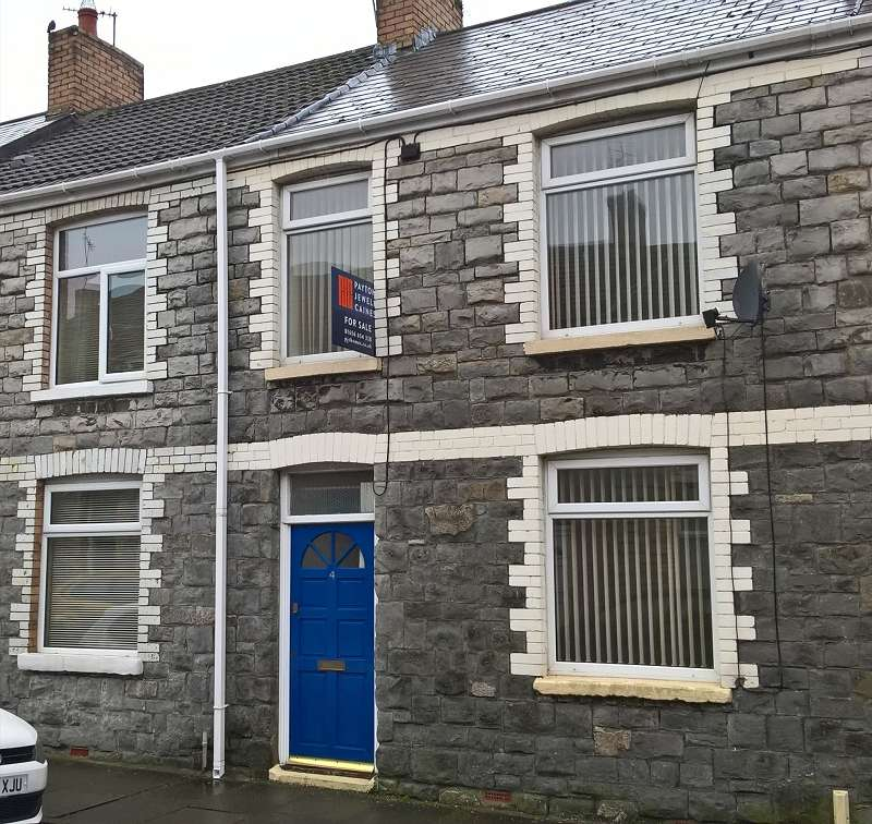 2 Bedrooms Terraced House for sale in Cheltenham Terrace, Bridgend, CF31 3AH