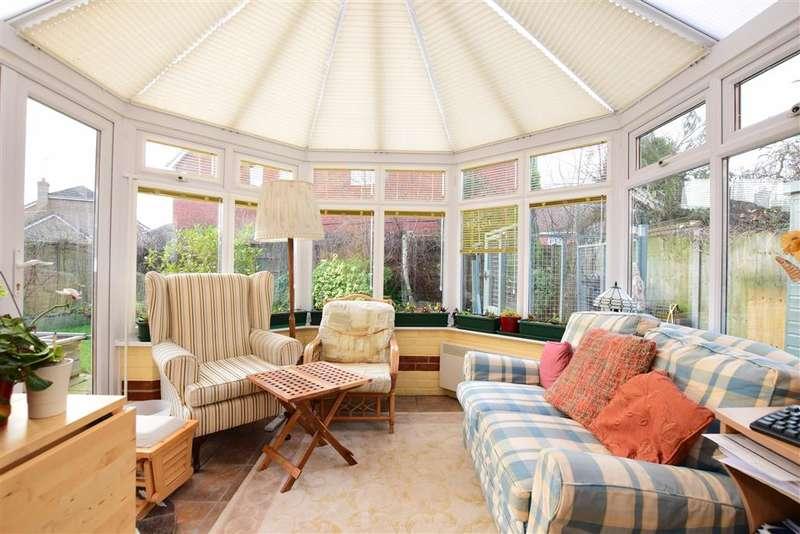 5 Bedrooms Detached House for sale in Willard Way, Ashington, West Sussex