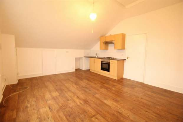 Studio Flat for sale in Bensham Manor Road, Thornton Heath, Surrey