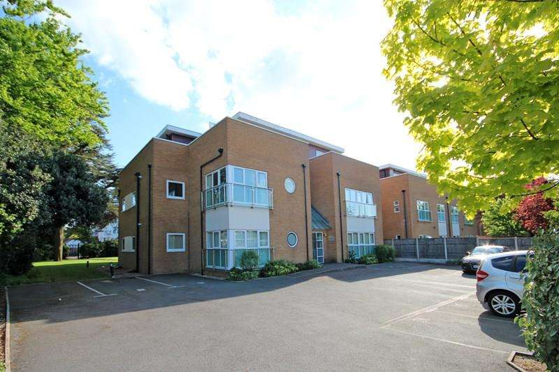 2 Bedrooms Apartment Flat for sale in Southbourne Road, Bournemouth