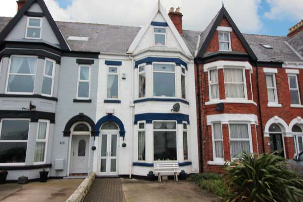 5 Bedrooms Terraced House for sale in Victoria Avenue, East Yorkshire, North Humberside, HU18 1NH