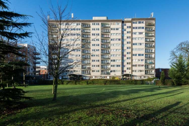 2 Bedrooms Flat for sale in Greenwich Heights Master Gunners Place SE18
