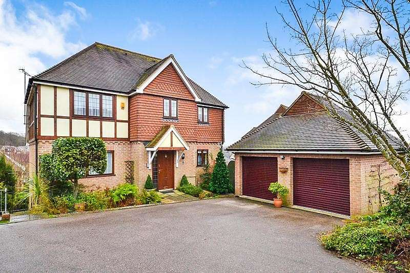 5 Bedrooms House for sale in Stonebeach Rise, St Leonards On Sea, TN38