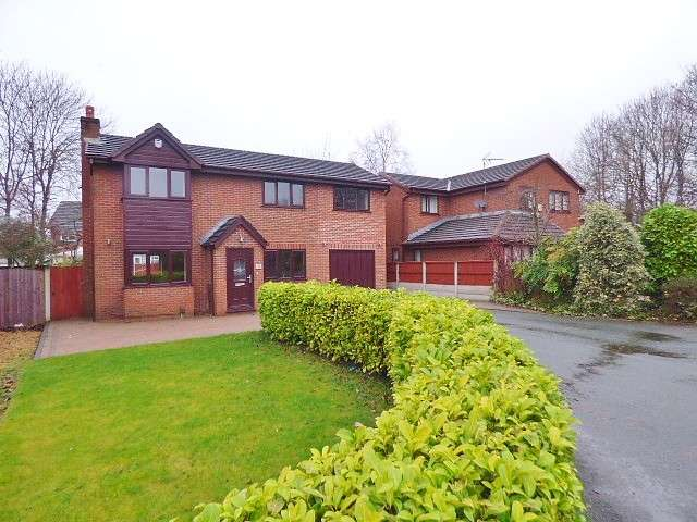 5 Bedrooms Detached House for sale in Raleigh Close, Old Hall, Warrington