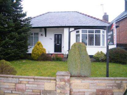 2 Bedrooms Bungalow for sale in Chester Road, Winsford, Cheshire, CW7