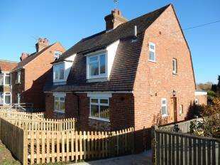 2 Bedrooms Semi Detached House for sale in Hawkhurst Road, Cranbrook, Kent, Uk