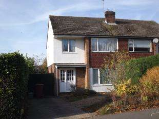 3 Bedrooms Semi Detached House for sale in Carriers Road, Cranbrook, Kent, Uk