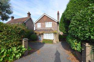 4 Bedrooms Detached House for sale in High Street, Heathfield, East Sussex