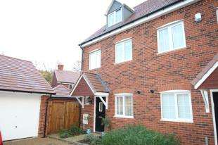 3 Bedrooms Semi Detached House for sale in Barnham Close, Crawley, West Sussex