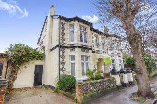 4 Bedrooms Semi Detached House for sale in Cambridge Road, Worthing, West Sussex