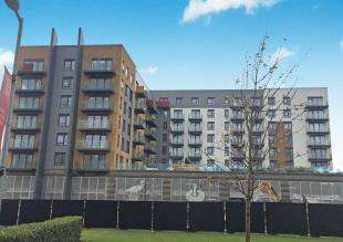 1 Bedroom Flat for sale in Peninsula Quays, Victory Pier, Gillingham, Kent