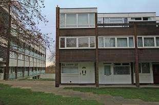 2 Bedrooms Maisonette Flat for sale in Kitley Gardens, Norwood, London