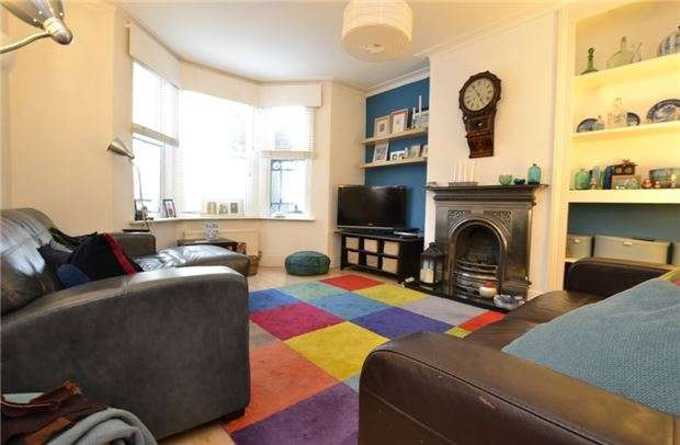 2 Bedrooms Flat for sale in Station Road, Lower Weston, BATH, BA1 3DY