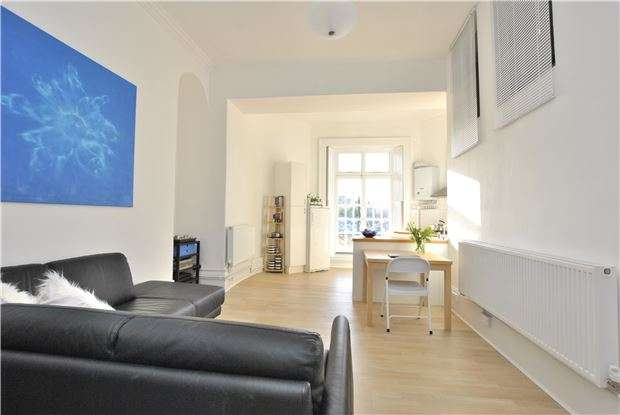 1 Bedroom Flat for sale in Great Stanhope Street, BATH, Somerset, BA1