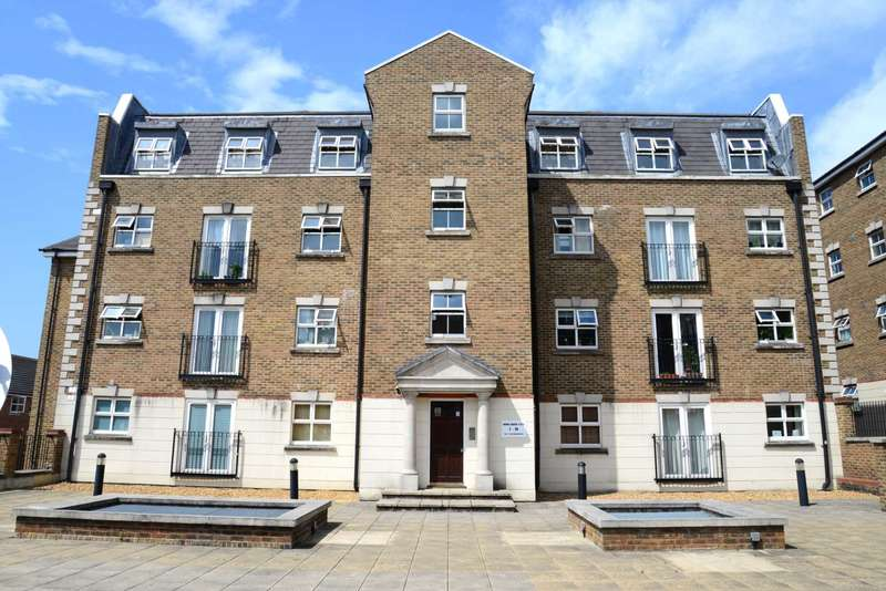 2 Bedrooms Apartment Flat for sale in Brook Square, Shooter`s Hill, SE18 4NB