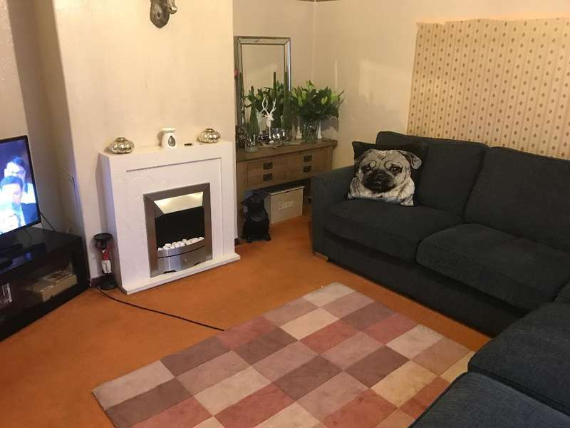 3 Bedrooms Semi Detached House for sale in Star Post Road, Camberley, Surrey, GU15 4DE