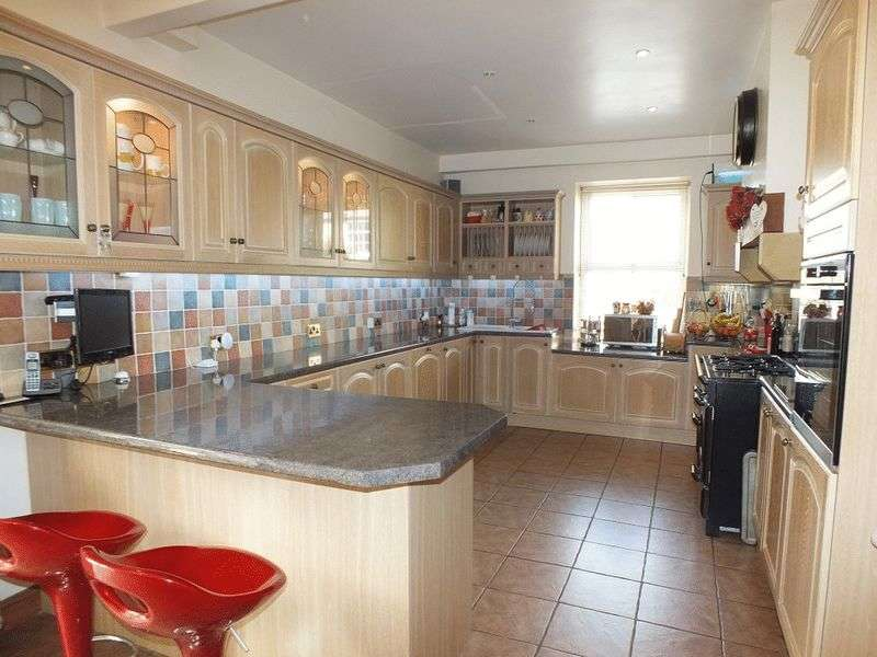 6 Bedrooms Detached House for sale in Substantial family house with outbuidings for conversion. Somerset/Dorset borders